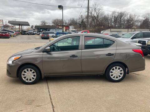2017 Nissan Versa for sale at GRC OF KC in Gladstone MO
