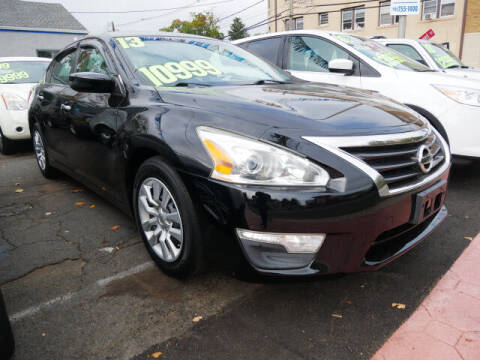2013 Nissan Altima for sale at M & R Auto Sales INC. in North Plainfield NJ