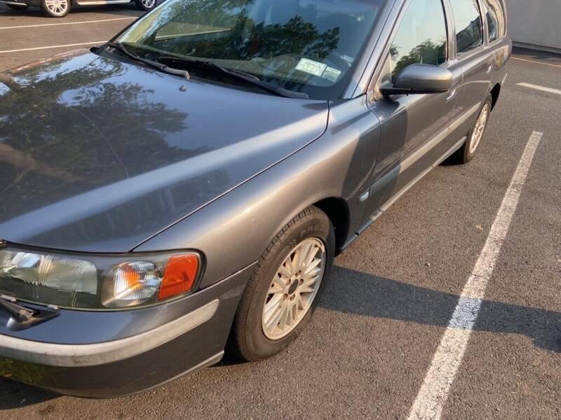 2004 Volvo V70 2.4