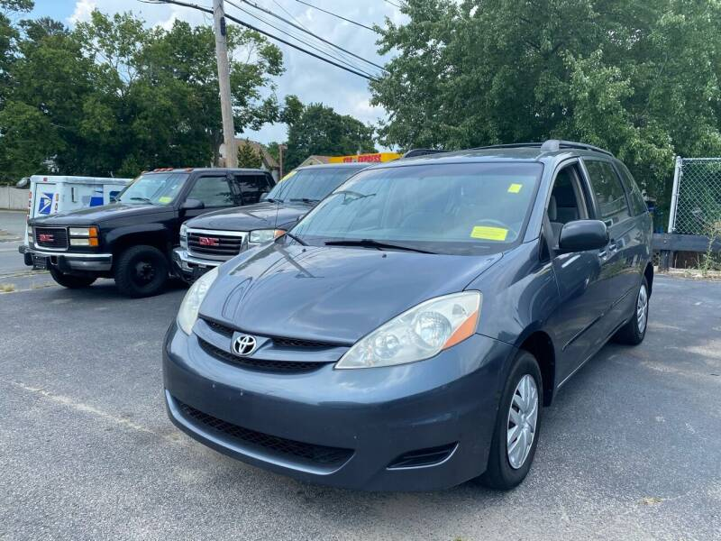 2007 Toyota Sienna for sale at Auto Gallery in Taunton MA