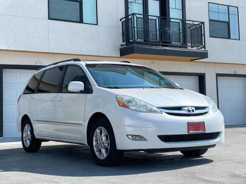 2006 Toyota Sienna for sale at Avanesyan Motors in Orem UT