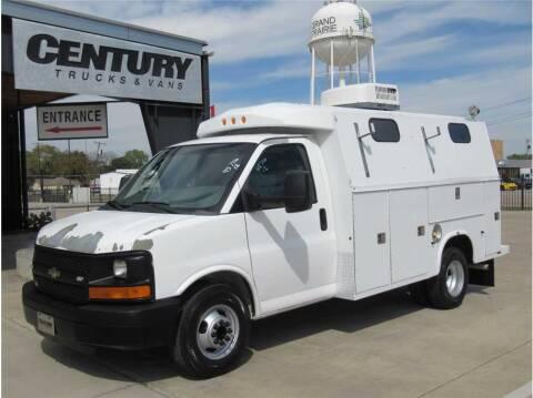 2012 Chevrolet Express Cutaway for sale at CENTURY TRUCKS & VANS in Grand Prairie TX