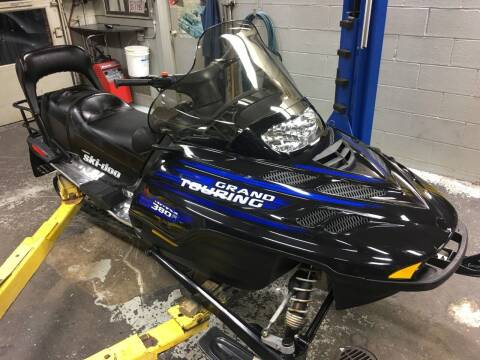 2002 Ski-Doo 380 Fan Snowmobile for sale at Regner's Auto Sales in Danbury CT