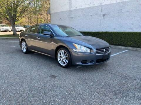 2009 Nissan Maxima for sale at Select Auto in Smithtown NY