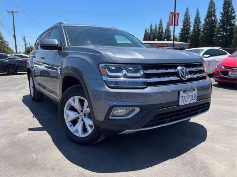 2018 Volkswagen Atlas for sale at Carros Usados Fresno in Fresno CA