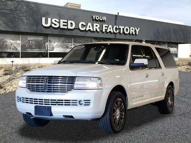 2010 Lincoln Navigator L for sale at JOELSCARZ.COM in Flushing MI