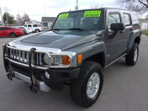 2009 HUMMER H3 for sale at Ideal Auto Sales, Inc. in Waukesha WI