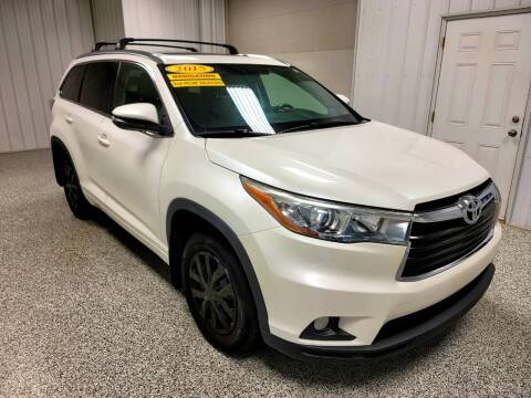 2015 Toyota Highlander for sale at LaFleur Auto Sales in North Sioux City SD