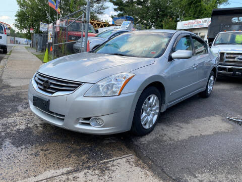 2010 Nissan Altima for sale at Drive Deleon in Yonkers NY