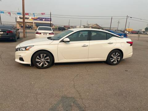 2019 Nissan Altima for sale at First Choice Auto Sales in Bakersfield CA