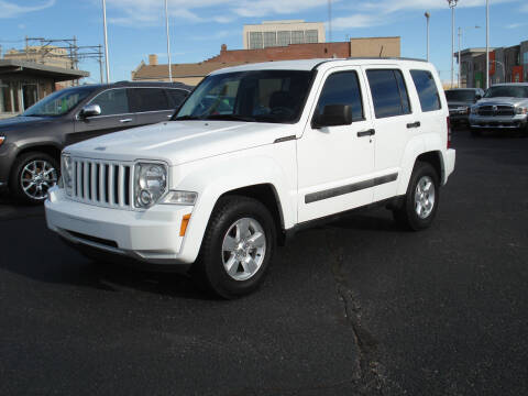 2012 Jeep Liberty for sale at Shelton Motor Company in Hutchinson KS