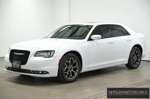 2018 Chrysler 300 for sale at Modern Motorcars in Nixa MO