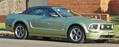 2005 Ford Mustang for sale at LAKE CITY AUTO SALES in Forest Park GA