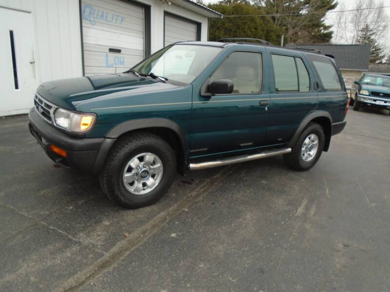 1997 Nissan Pathfinder for sale at NORTHLAND AUTO SALES in Dale WI