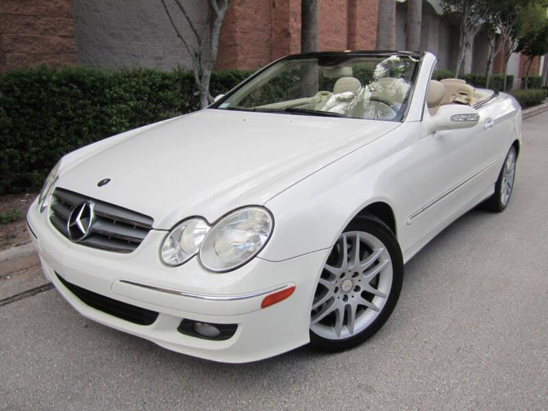 2008 Mercedes-Benz CLK for sale at FLORIDACARSTOGO in West Palm Beach FL