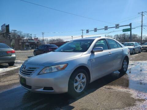 2009 Toyota Camry for sale at Johnny's Motor Cars in Toledo OH