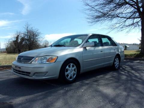 2002 Toyota Avalon for sale at Unique Auto Brokers in Kingsport TN