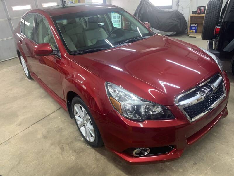 2013 Subaru Legacy for sale at QUINN'S AUTOMOTIVE in Leominster MA