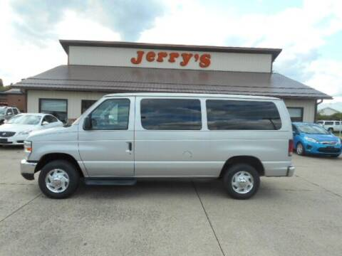 2009 Ford E-Series Wagon for sale at Jerry's Auto Mart in Uhrichsville OH