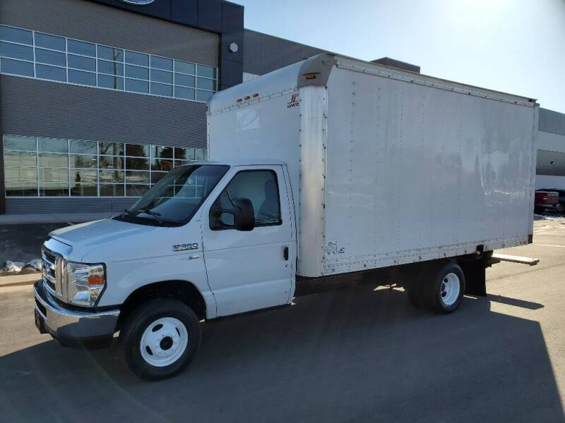 2013 Ford E-Series Chassis for sale in Minneapolis, MN