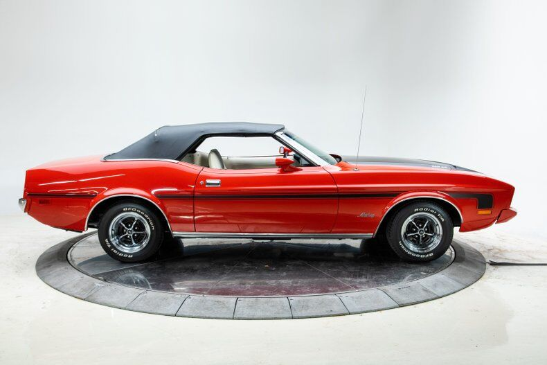 1973 Ford Mustang 2