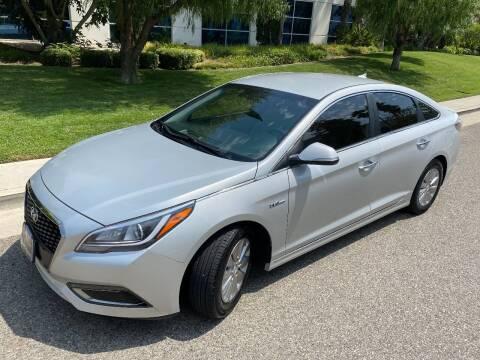 2016 Hyundai Sonata Hybrid for sale at Donada  Group Inc in Arleta CA