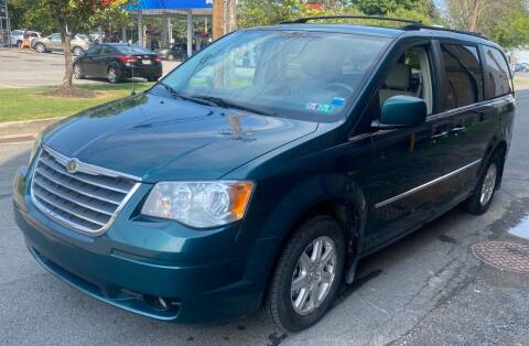 2009 Chrysler Town and Country for sale at Select Auto Brokers in Webster NY