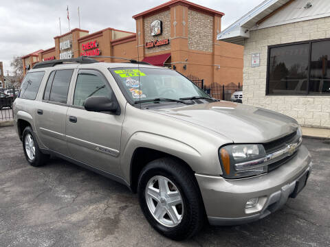 2003 Chevrolet TrailBlazer for sale at Figueroa Auto Sales in Joliet IL
