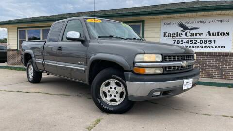 2000 Chevrolet Silverado 1500 for sale at Eagle Care Autos in Mcpherson KS