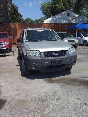 2005 Ford Escape for sale at Used Car City in Tulsa OK