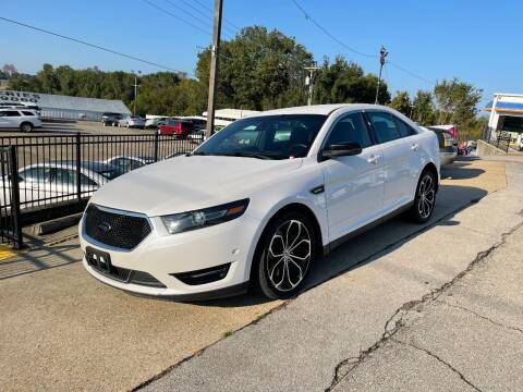 2013 Ford Taurus for sale at Greg's Auto Sales in Poplar Bluff MO