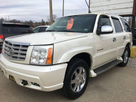 2006 Cadillac Escalade for sale at Town and Country Auto Sales in Jefferson City MO