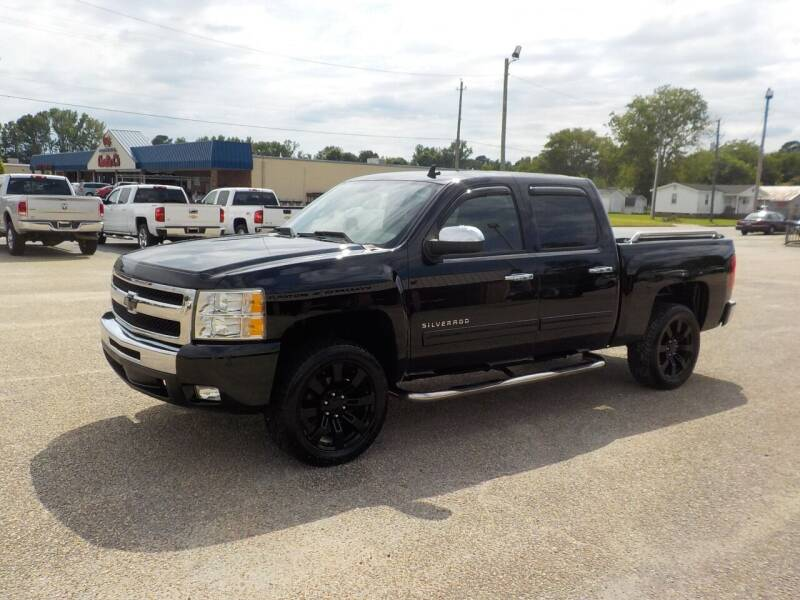 2011 Chevrolet Silverado 1500 for sale at Young's Motor Company Inc. in Benson NC