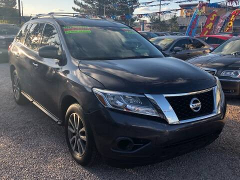 2014 Nissan Pathfinder for sale at Duke City Auto LLC in Gallup NM