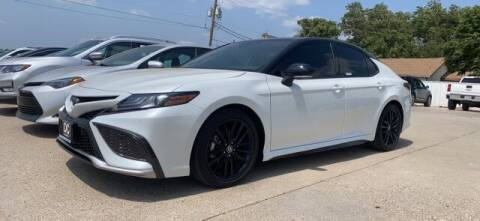 2021 Toyota Camry for sale at Bulldog Motor Company in Borger TX