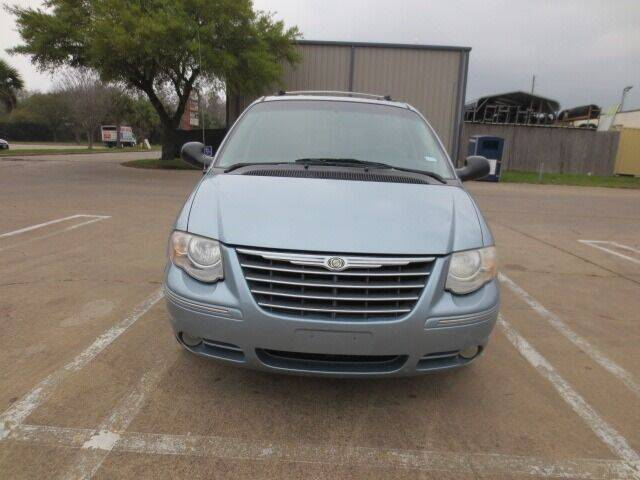 2006 Chrysler Town and Country for sale at MOTORS OF TEXAS in Houston TX
