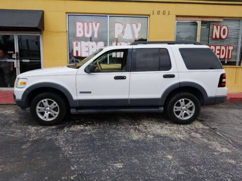 2006 Ford Explorer for sale at BSS AUTO SALES INC in Eustis FL