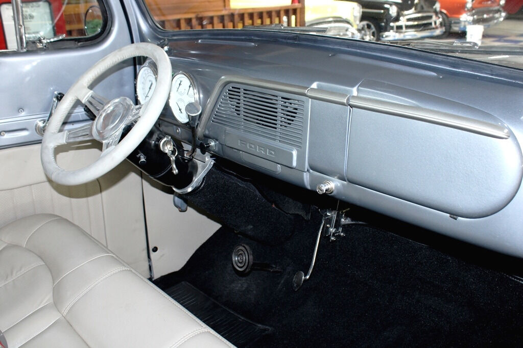 1951 Ford F-100 21