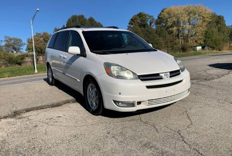 2005 Toyota Sienna for sale at InstaCar LLC in Independence MO