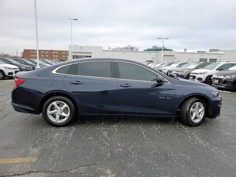 2016 Chevrolet Malibu for sale at Hawk Chevrolet of Bridgeview in Bridgeview IL