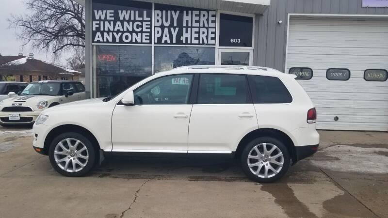 2009 Volkswagen Touareg 2 for sale at STERLING MOTORS in Watertown SD