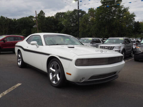 2014 Dodge Challenger for sale at MAPLECREST FORD LINCOLN USED CARS in Vauxhall NJ