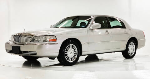 2008 Lincoln Town Car for sale at Houston Auto Credit in Houston TX