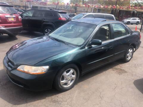 1998 Honda Accord for sale at RON'S AUTO SALES INC in Cicero IL