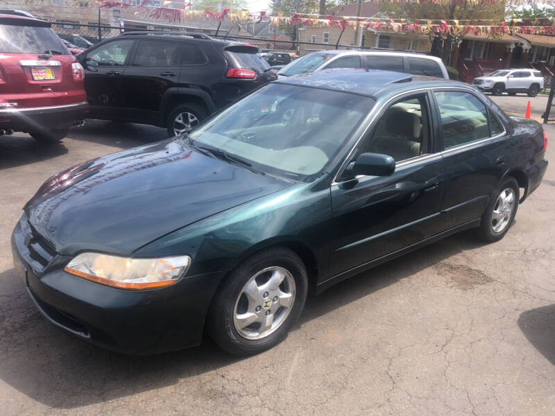 1998 Honda Accord for sale at RON'S AUTO SALES INC in Cicero IL