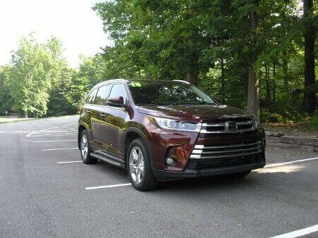 2018 Toyota Highlander for sale at RICH AUTOMOTIVE Inc in High Point NC