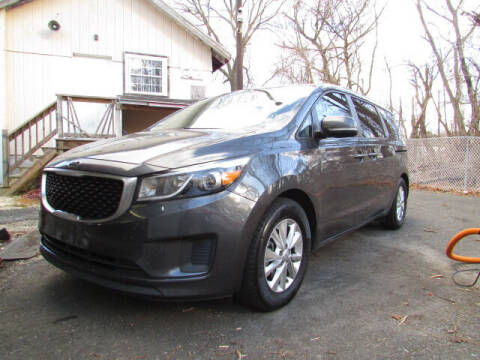 2015 Kia Sedona for sale at Auto Outlet Of Vineland in Vineland NJ