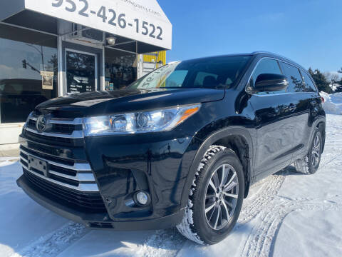 2017 Toyota Highlander for sale at Mainstreet Motor Company in Hopkins MN