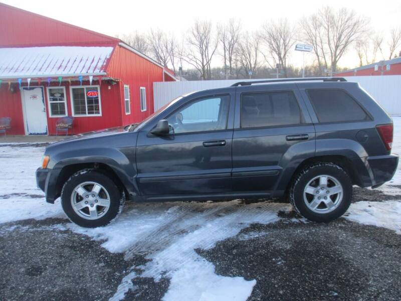 2007 Jeep Grand Cherokee for sale at Chaddock Auto Sales in Rochester MN