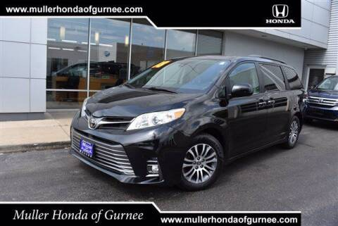 2018 Toyota Sienna for sale at RDM CAR BUYING EXPERIENCE in Gurnee IL